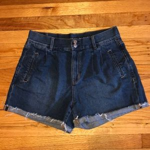 AE dark wash mom short